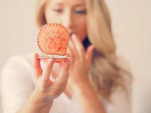 Organic Island Shell Lip Balm Oriental Fan Orange
